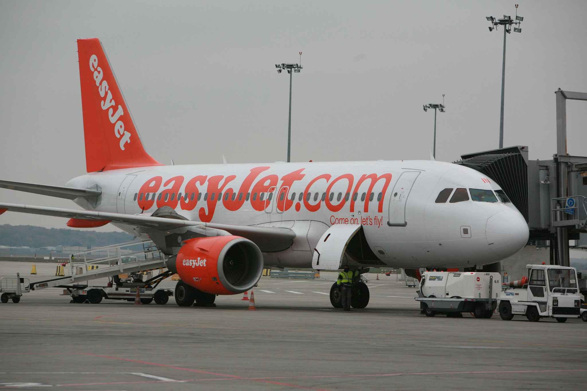 Nice exclues de l 39 avion cause d 39 une suspicion de for Interieur avion easyjet