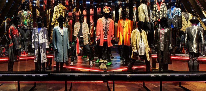 L'exposition « Unzipped Exposition » présente 400 objets des Rolling Stones au stade Vélodrome.