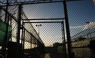 Dix-sept Chinois musulmans ouïgours détenus à Guantanamo depuis sept ans et blanchis depuis cinq ne peuvent pas être relâchés sur le sol américain comme ils le demandaient, a ordonné mercredi une cour d'appel américaine infirmant une première décision de justice.