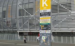 Villeneuve d'Ascq, le 19 mars 2014. Les commerants du stade Pierre-Mauroy font grise mine, difficultŽs de stationnement, peu d'ŽvŽnements hors football, clientle absente en journŽe... Au point que beaucoup ont dŽja mis la clŽ sous la porte.