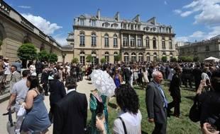 """François Hollande n'entend pas renouer avec la traditionnelle """"garden party"""" de l'Elysée le 14 juillet, supprimée en 2010 par l'ex-président Nicolas Sarkozy pour cause de crise économique, a indiqué mardi une source à l'Elysée."""