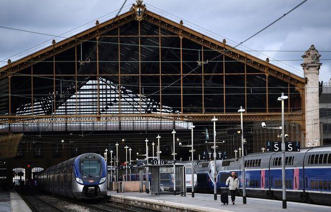 Marseille: La gare Saint-Charles temporairement bloquée par des manifestants de la CGT sur les voies