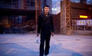 Les villes chinoises, qui accueillent désormais plus de la moitié des 1,35 milliard d'habitants du pays, sont construites par les ouvriers migrants venus des campagnes, objets d'une discrimination institutionnalisée qui les empêche de devenir citadins à part entière.