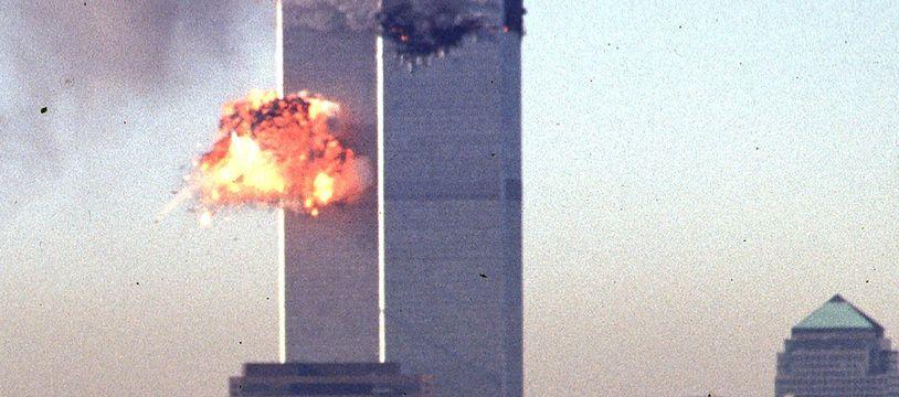 Attentats du 11-Septembre : les tours jumelles du World Trade Center attaquées.