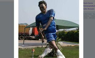 La statue de Michaël Essien au Ghana.