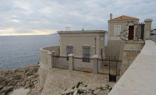 Marseille, le 3 décembre 2015, le marégraphe de Marseille sur la corniche