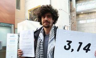 Martin a déposé plainte mercredi après avoir découvert qu'il avait 3,14 microgrammes / l de glyphosate dans ses urines, quand la norme est de 0,1, soit 31 fois la dose autorisée.