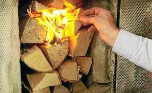 Le feu de cheminée génère des émissions de particules dans l'atmosphère.