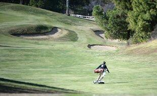 Le «GolfBoard», l'invention qui doit réunir golf et skate-board.