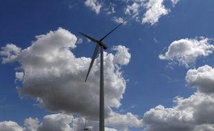Le numéro un de l'énergie en Allemagne EON, qui s'efforce de prendre le virage de la sortie du nucléaire en Allemagne, a annoncé mardi la construction d'un site pilote permettant de stocker dans le réseau gazier les trop-pleins d'électricité produits par l'éolien.