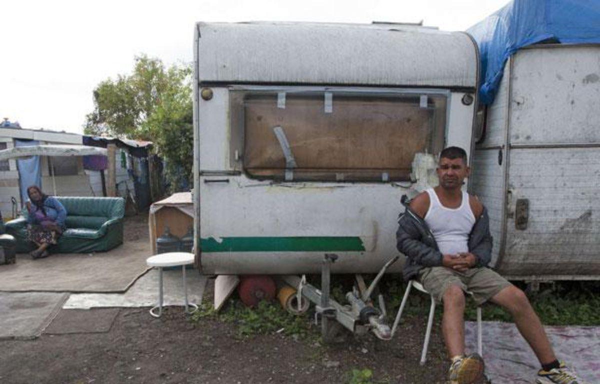 Un Rom dans un camp près de Paris, le 22 août 2012 – Jacques Brinon/AP/SIPA