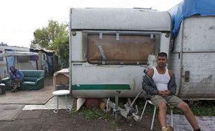 Un Rom dans un camp près de Paris, le 22 août 2012