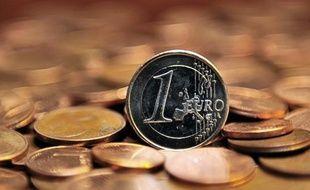 La Grèce a reçu mardi un premier versement de prêts de 7,5 milliards d'euros du nouveau plan de renflouement mis au point par ses créanciers de l'UE et du FMI pour lui éviter la faillite, a indiqué une source du ministère des Finances