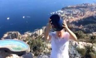 Capture d'écran de l'Ice Bucket Challenge du Prince Albert de Monaco, nommant François Hollande.