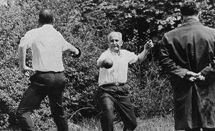 En 1967, le député gaulliste René Ribière provoque Gaston Defferre en duel. Ce sera le dernier duel en France