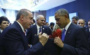 Rencontre entre Recep Tayyip Erdogan et Barack Obama lors du G20 à Antalya, le 16 novembre 2015.