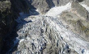 Un cinquième du glacier de Planpincieux menace de s'effondrer dans une vallée proche de la station de Courmayeur.