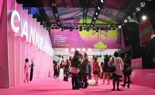 Le tapis rose sera bien déroulé mais les invités devront passer par un portique «désinfecteur» (Archives)