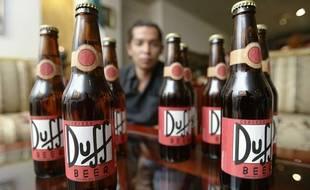 Illustration des bières « Duff » non-officielles