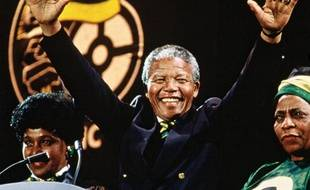 Nelson Mandela, lors d'un concert à Wembley, le 16 avril 1990.