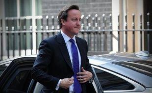 Le Premier ministre britannique David Cameron apparaissait mardi inflexible sur sa politique de réduction des déficits, malgré le revers cuisant subi par sa coalition aux élections municipales et la défaite en France et en Grèce de gouvernements défendant l'austérité