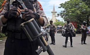 Près de la cathédrale de Makassar, en Indonésie.