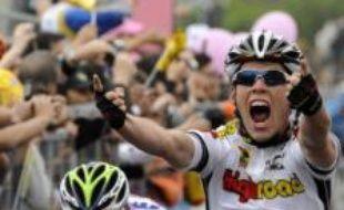 Le Britannique Mark Cavendish (High Road) a remporté au sprint la quatrième étape du Tour d'Italie cycliste, mardi, sur le bord de mer de Catanzaro (sud).