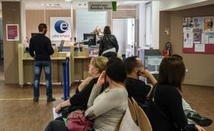 Le chômage a poursuivi sa hausse au 4e trimestre 2014, atteignant la barre des 10,0% en métropole et 10,4% avec l'outremer selon l'Insee