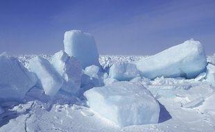 Des blocs de glace dans la baise de Saint-Laurent.
