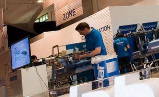 Les cordeurs de Roland-Garros, dans l'Espace Babolat, en 2012.