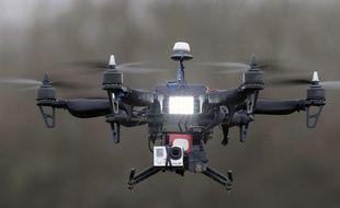 Démonstration d'un vol de drone à Paris le 9 février 2015.