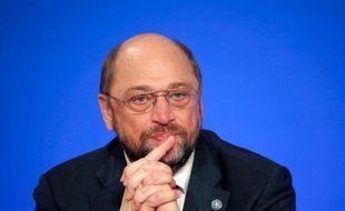 """Le président du Parlement européen Martin Schulz a promis jeudi """"de très longues négociations"""" sur le compromis trouvé la veille par les ministres des Finances sur l'union bancaire, qu'il a jugé """"très éloigné"""" des ambitions des députés européens."""