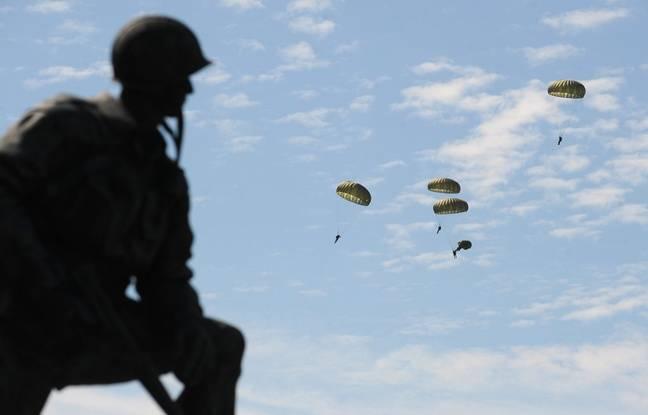 Des parachutistes lors du 70e anniversaire du débarquement en 2014.