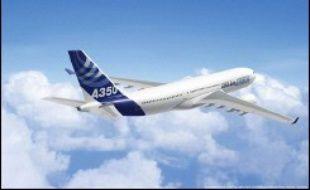 Le modèle concurrent d'Airbus, l'A350, doit lui retourner sur la planche à dessin après des critiques des clients potentiels. Il pourrait en conséquence être rebaptisé A-370 avec une entrée en service en 2013 au lieu de celle prévue en 2010-11, indique Richard Aboulafia. L'A350 dans sa version initiale a déjà reçu une centaine de commandes.