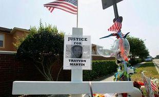 La justice va engager des poursuites mercredi contre George Zimmerman, l'homme qui a tué Trayvon Martin, un mois et demi après le meurtre en Floride de ce jeune Noir qui suscite une vive émotion aux Etats-Unis.