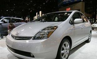 Les écrans plats contiennent de l'indium, les téléphones mobiles du gallium, les fibres optiques de l'antimoine, les ordinateurs portables du tantale... Et le véhicule hybride (la Prius) du constructeur automobile Toyota, regorge de cobalt.