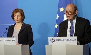 Florence Parly et Jean-Yves Le Drian le 14  avril 2018 à paris, après les frappes de la coalition occidentale en Syrie.
