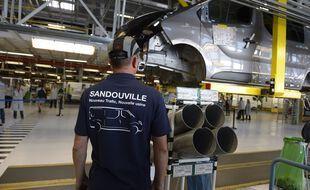 Confrontée à des difficultés d'approvisionnement en composants électroniques, l'usine Renault de Sandouville sera contrainte de s'arrêter de fonctionner plusieurs jours d'ici fin juillet.