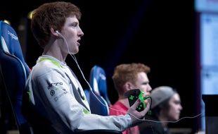 Un joueur américain de l'équipe Optic gaming lors de l'ESWC à Paris, le 3 mai 2015.