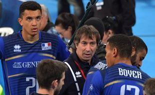 L'équipe de France de volley avec le coach Laurent Tillie en juillet 2017.