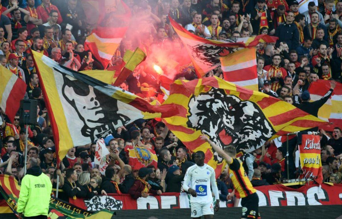 Le stade Bollaert y a cru jusqu'au bout lors de la dernière journée de Ligue 2. – F. Lo Presti / AFP