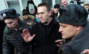 """Un leader de la contestation du régime de Vladimir Poutine, l'avocat Alexeï Navalny, a été accusé vendredi """"d'escroquerie et de blanchiment d'argent"""", dans ce qui apparaît comme une nouvelle offensive contre l'opposition à la veille d'une manifestation interdite à Moscou."""