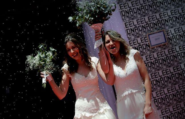 nouvel ordre mondial | Brésil: Des couples gays se marient avant que Jair Bolsonaro n'arrive au pouvoir