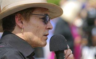 Johnny Depp va mieux et voit des filles