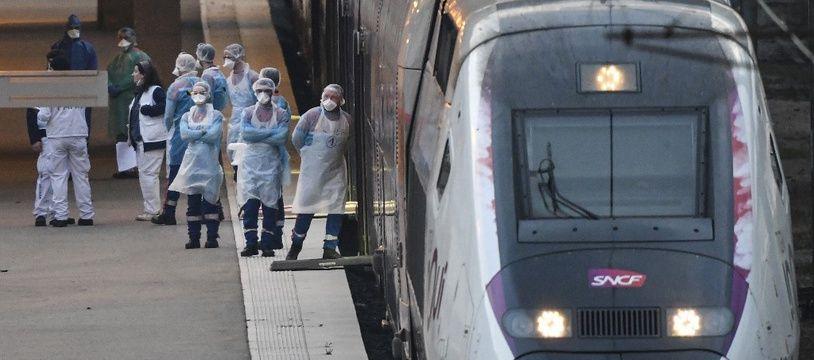 Le TGV médicalisé qui a quitté Mulhouse il y a quelques minutes, ce dimanche matin.