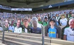 Des supporters en carton pour encourager le Borussia Mönchengladbach, le 13 mai