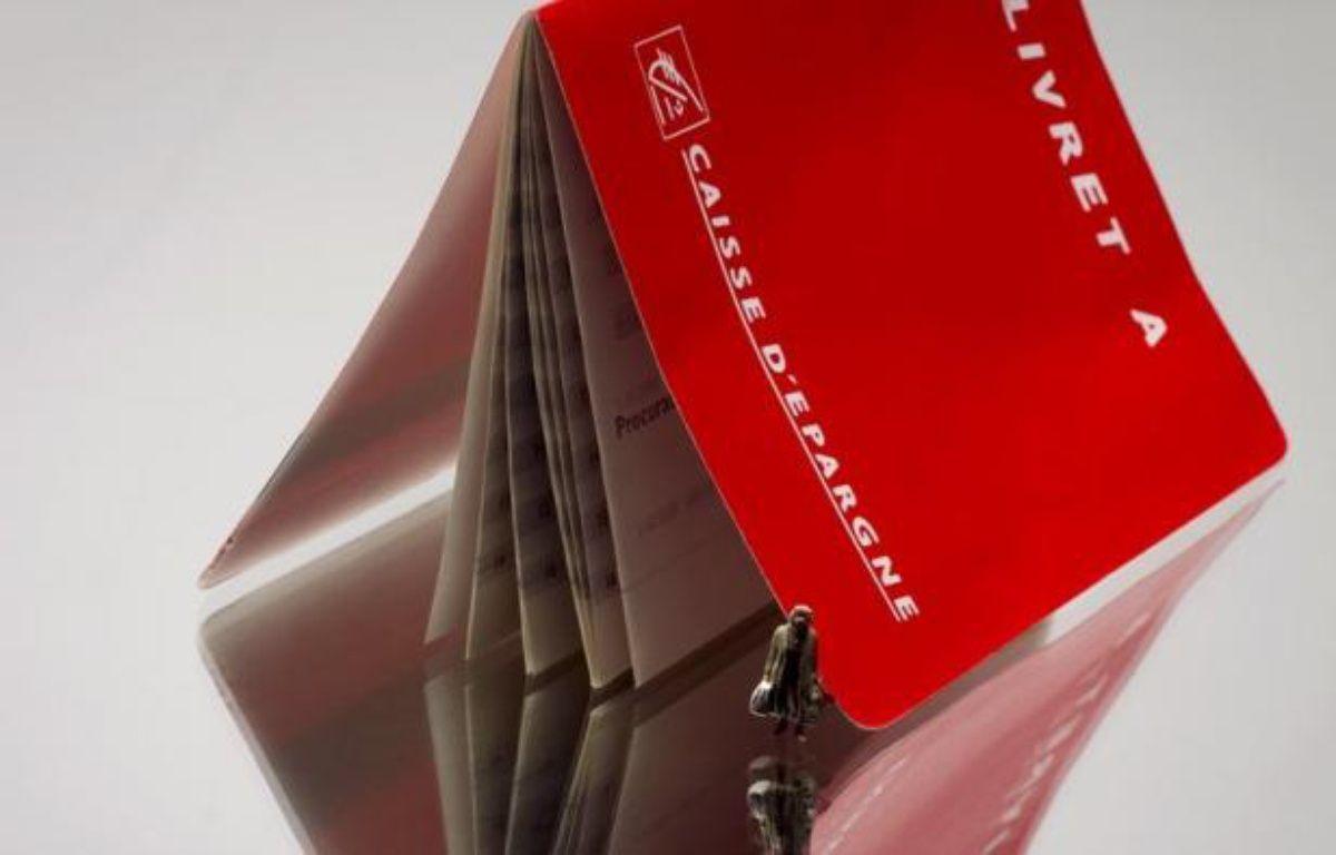 La collecte nette (dépôts moins retraits) sur le Livret A a encore progressé en juin, pour atteindre 11,17 milliards d'euros depuis le début de 2012, un rythme qui pourrait faire de cette année l'un des meilleurs crus de ce livret. – Joel Saget afp.com
