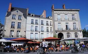 Terrasses de cafes situees place du Bouffay dans le centre de Nantes. Illustration immobilier et tourisme. Nantes Loire Atlantique Pays de la Loire./SALOM-GOMIS_152311/Credit:SEBASTIEN SALOM-GOMIS/SIPA/1409011711