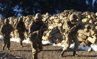 Une violente opération de l'armée pakistanaise contre les talibans a fait au moins 40 morts, y compris des civils, depuis mercredi dans la zone tribale du Waziristan du Nord, un sanctuaire jihadiste à la frontière de l'Afghanistan voisin, ont indiqué vendredi des militaires et des habitants.