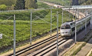 Un TGV circulant vers la Bretagne (image d'illustration).